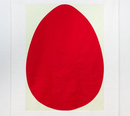 "Seulgi Lee, ""U : Une multitude de grains de sésame tombe. = Un couple heureux de jeunes marié.e.s. U : 깨가 쏟아진다. Kke-ga Sso-da-jin-da"", 2017, soie coréenne en Nubi, 195 x 155 x 1 cm"