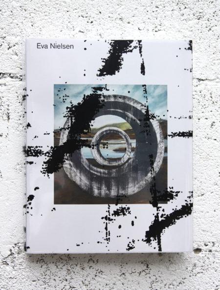 Eva Nielsen, Monographie