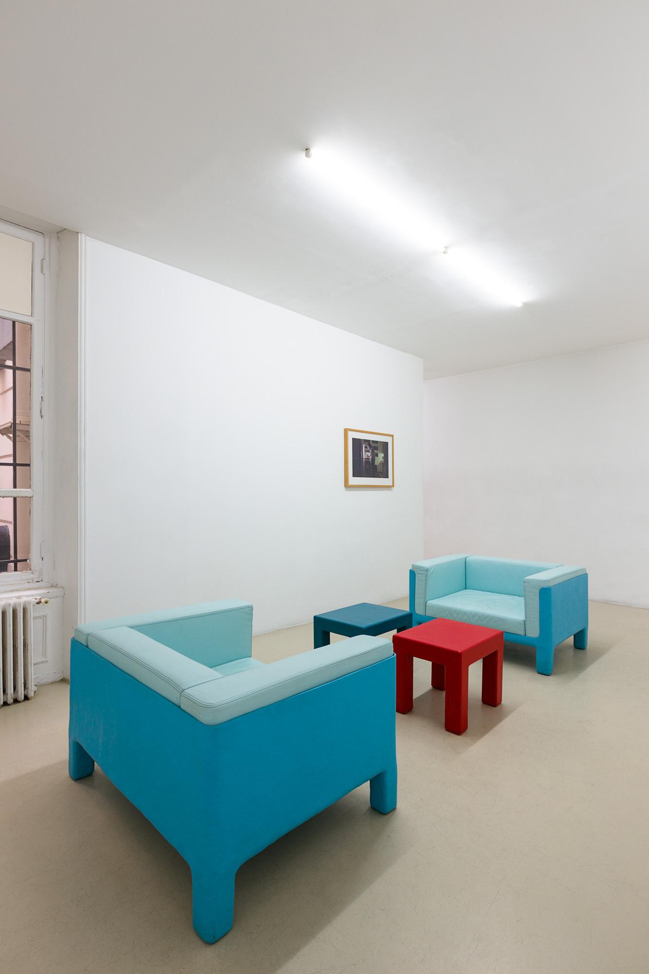 Atelier Van Lieshout, Fauteuil Le Corbafrique, fibre de verre et cuirs, 62x108x82cm