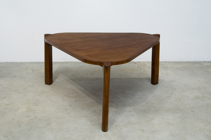 Table Basse Triangulaire 1952 56 Pierre Jeanneret
