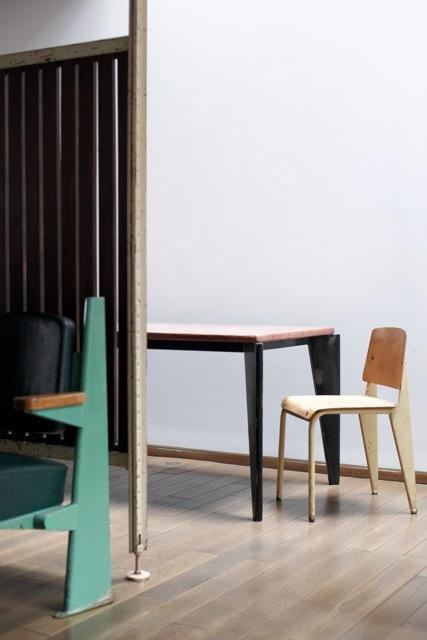 jean prouv 2012 jousse entreprise mobilier d 39 architectes. Black Bedroom Furniture Sets. Home Design Ideas