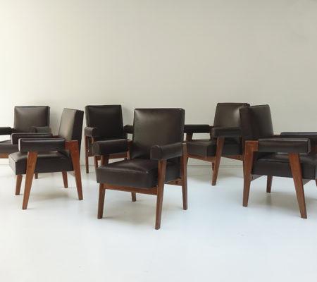 jeanneret_fauteuils_advocate_ensemble